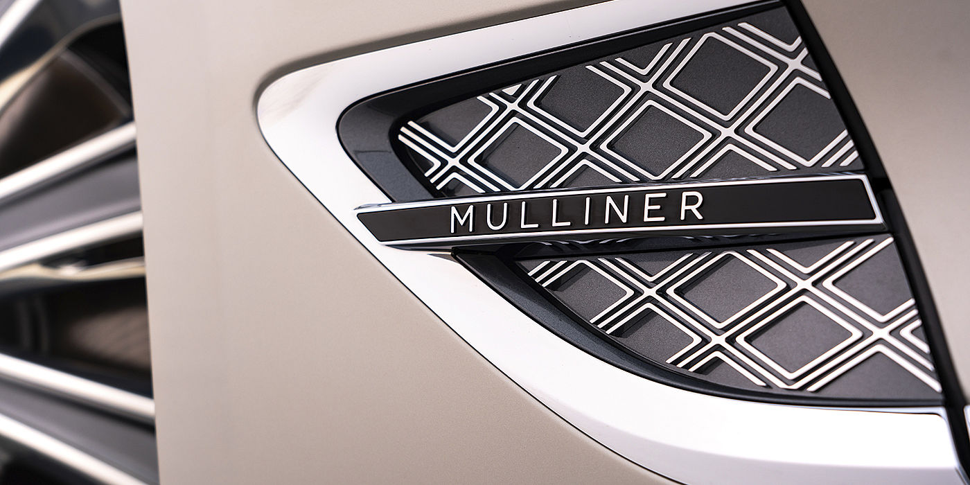 Bentley-Continental-GT-Mulliner-side-vent-with-Mulliner-detail-on-White-Sand-paint
